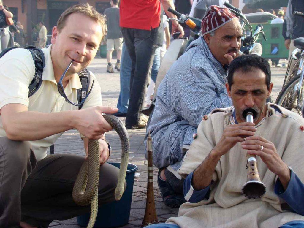Zaklinacze węży na Dżamma el Fna