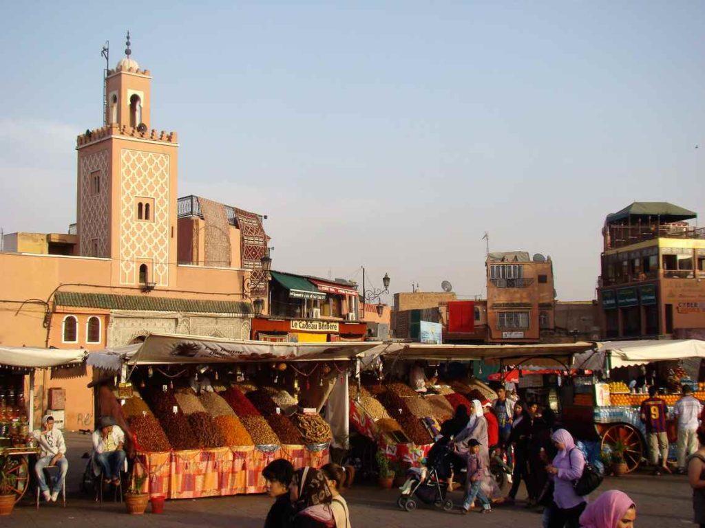 Widok na plac targowy Dżamma el Fna
