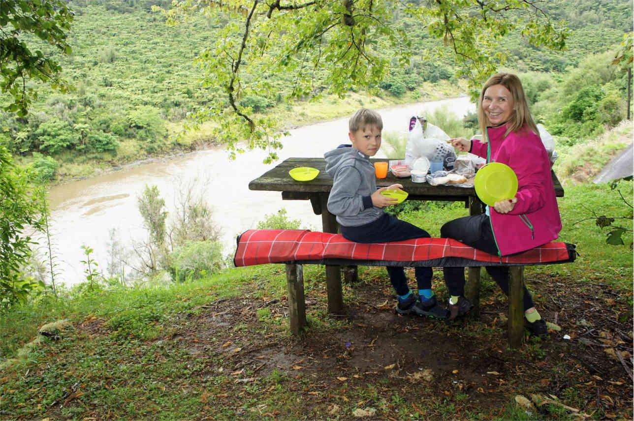 piknik nad rzeką, Nowa Zelandia
