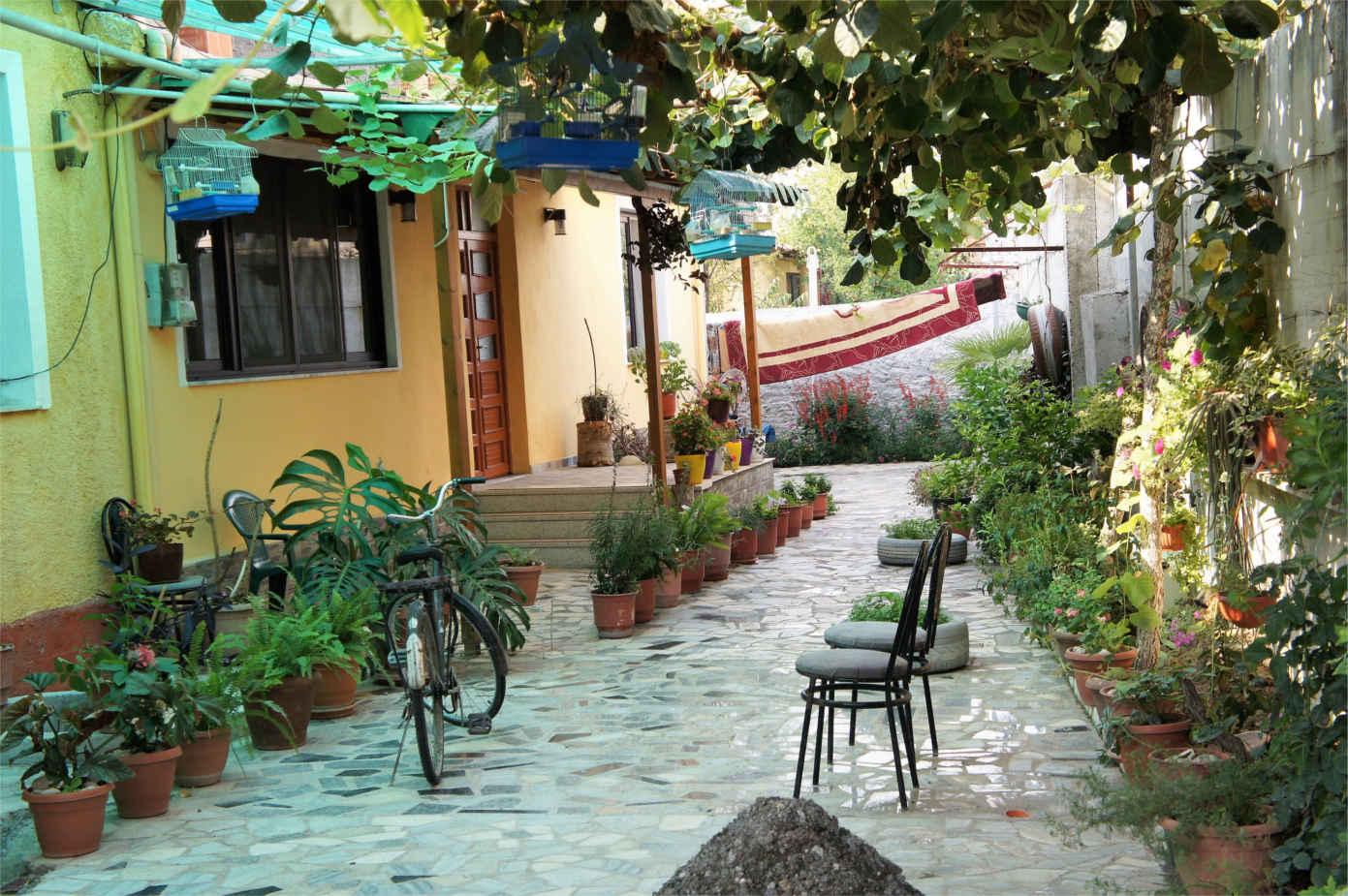 miejskie zaułki - Albania