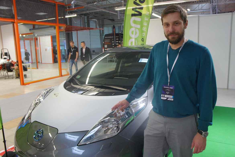 Arkady Fiedler i jego Nissan LEAF
