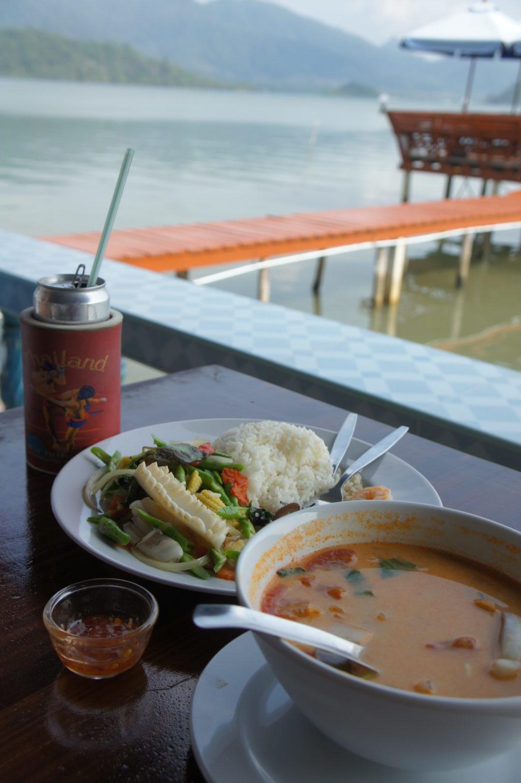 Ko Chang - lunch na pomoście