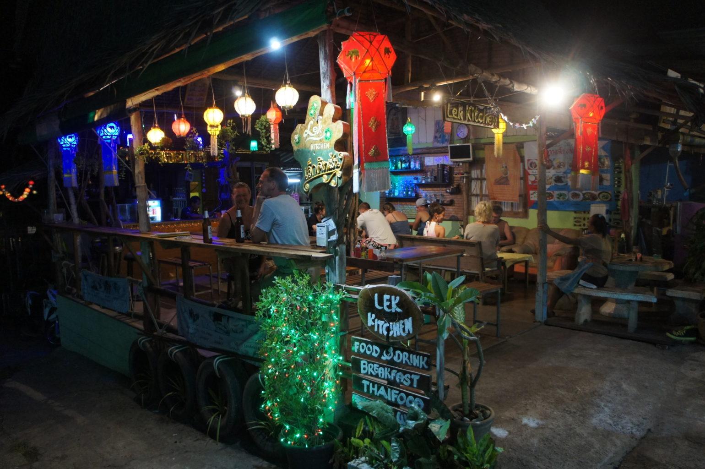 Ko Chang - wieczór w barze