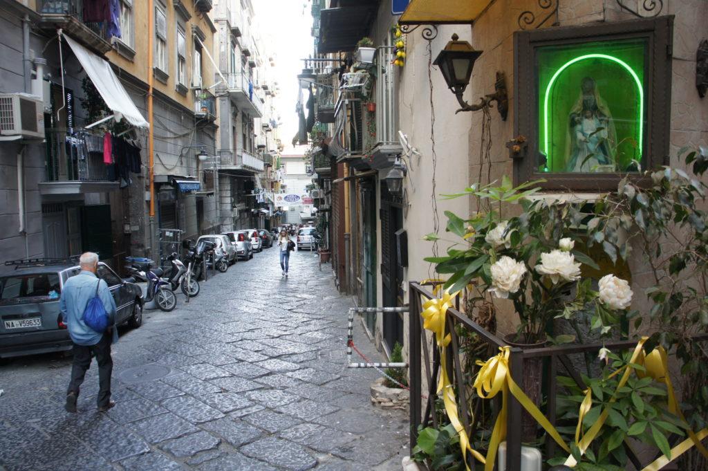 zaułki Neapolu w Dzielnicy Hiszpańskiej