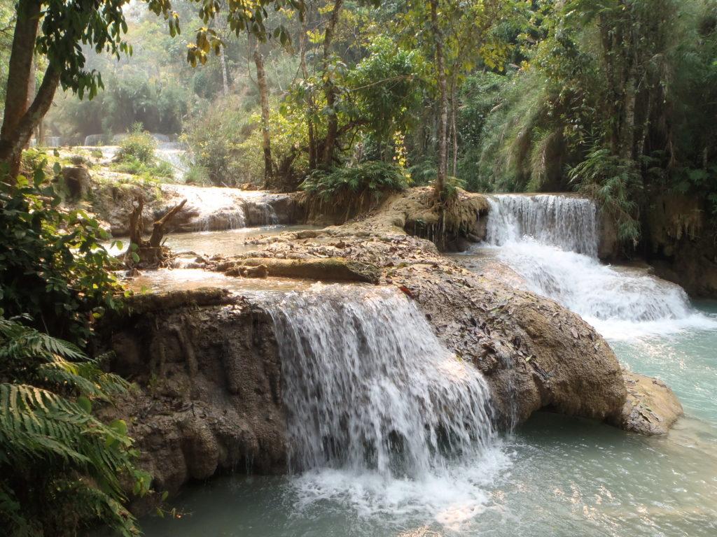 Wodospad Kuangsi to też małe, urokliwe kaskady