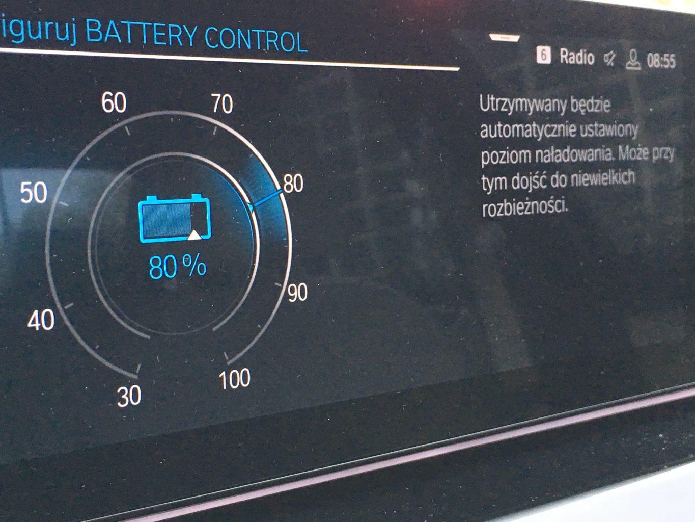 Ciekawą opcją jest możliwość programowania stanu naładowania baterii