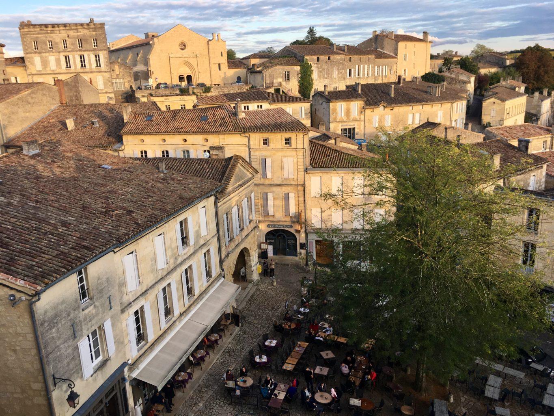 Saint Emilion to najbardziej urokliwe z winnych miasteczek