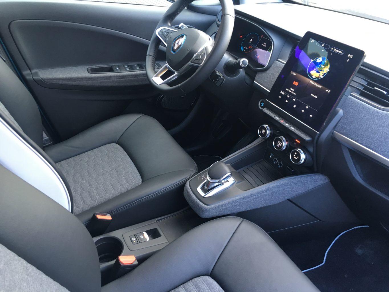 Wiele rozwiązań wnętrza nowego ZOE jest wspólnych z najnowszym Clio