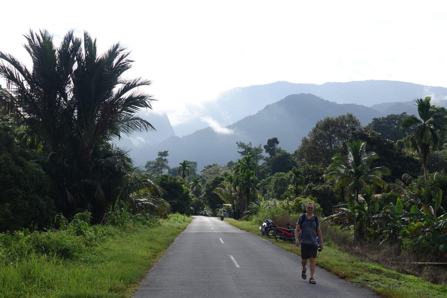 Jedyna droga prowadząca do Mulu National Park