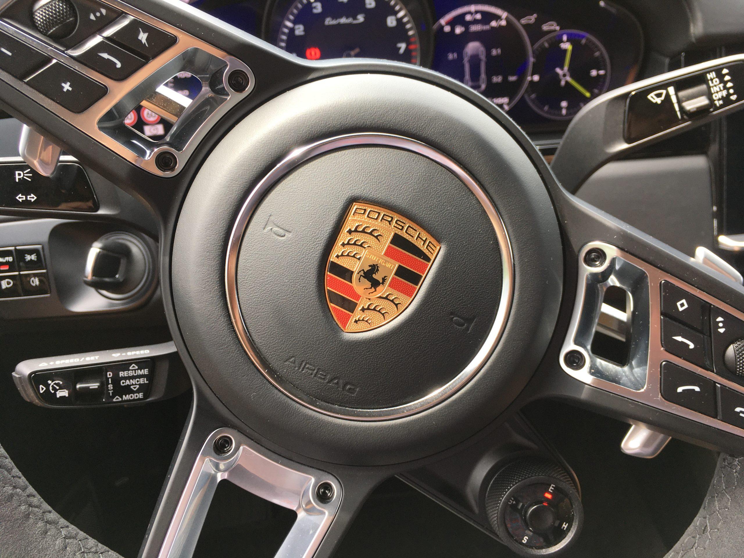 Centrum dowodzenia Porsche Cayenne