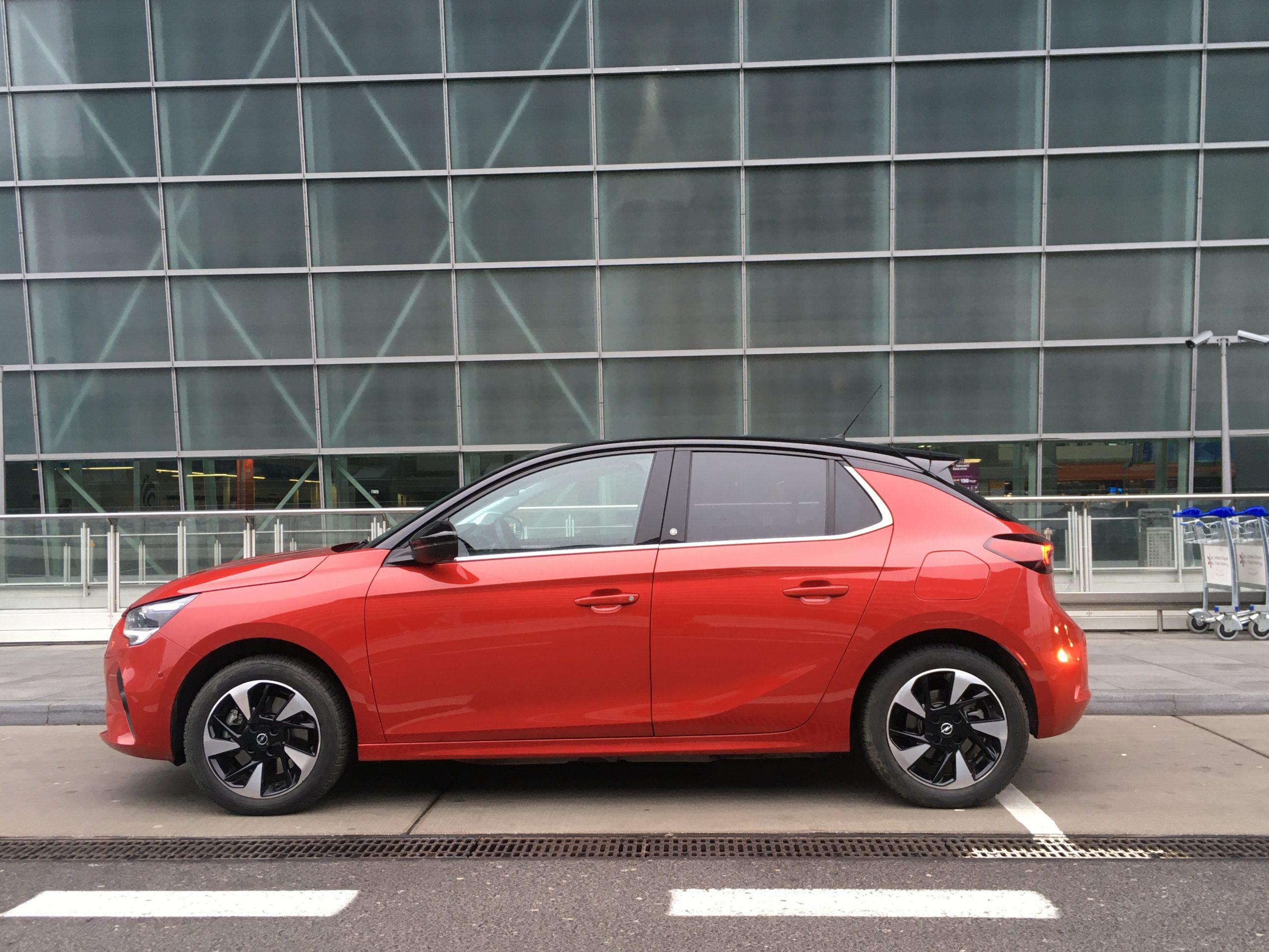 Elektryczny Opel Corsa ma obniżony o 6 cm środek ciężkości
