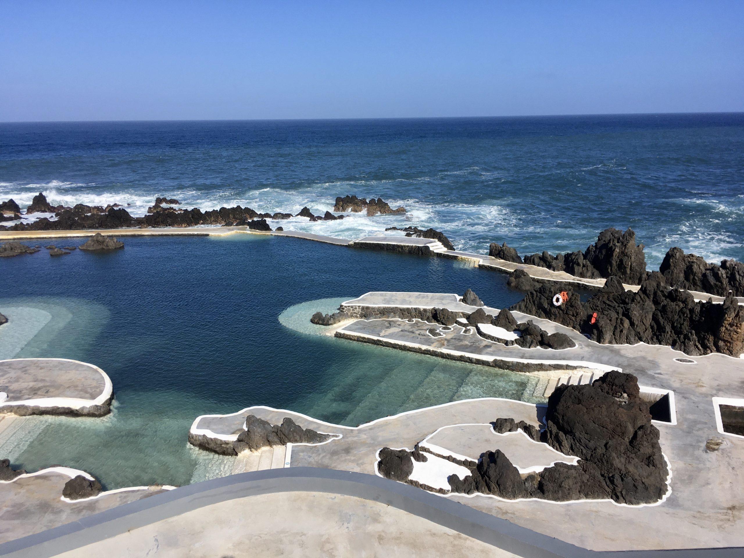Skalne baseny w Porto Moniz