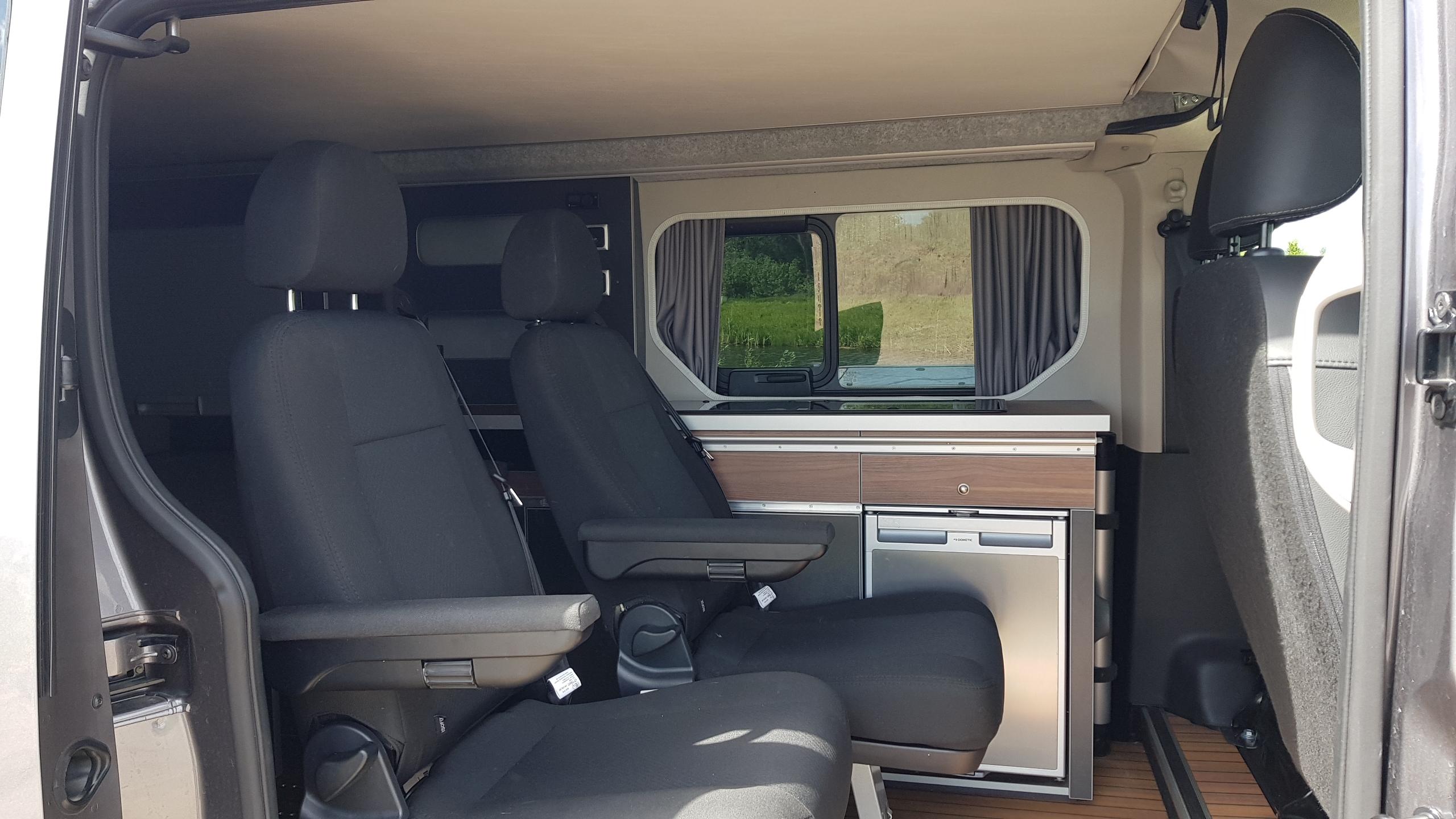 Modułowe wnętrze Renault Trafic Wavecamper
