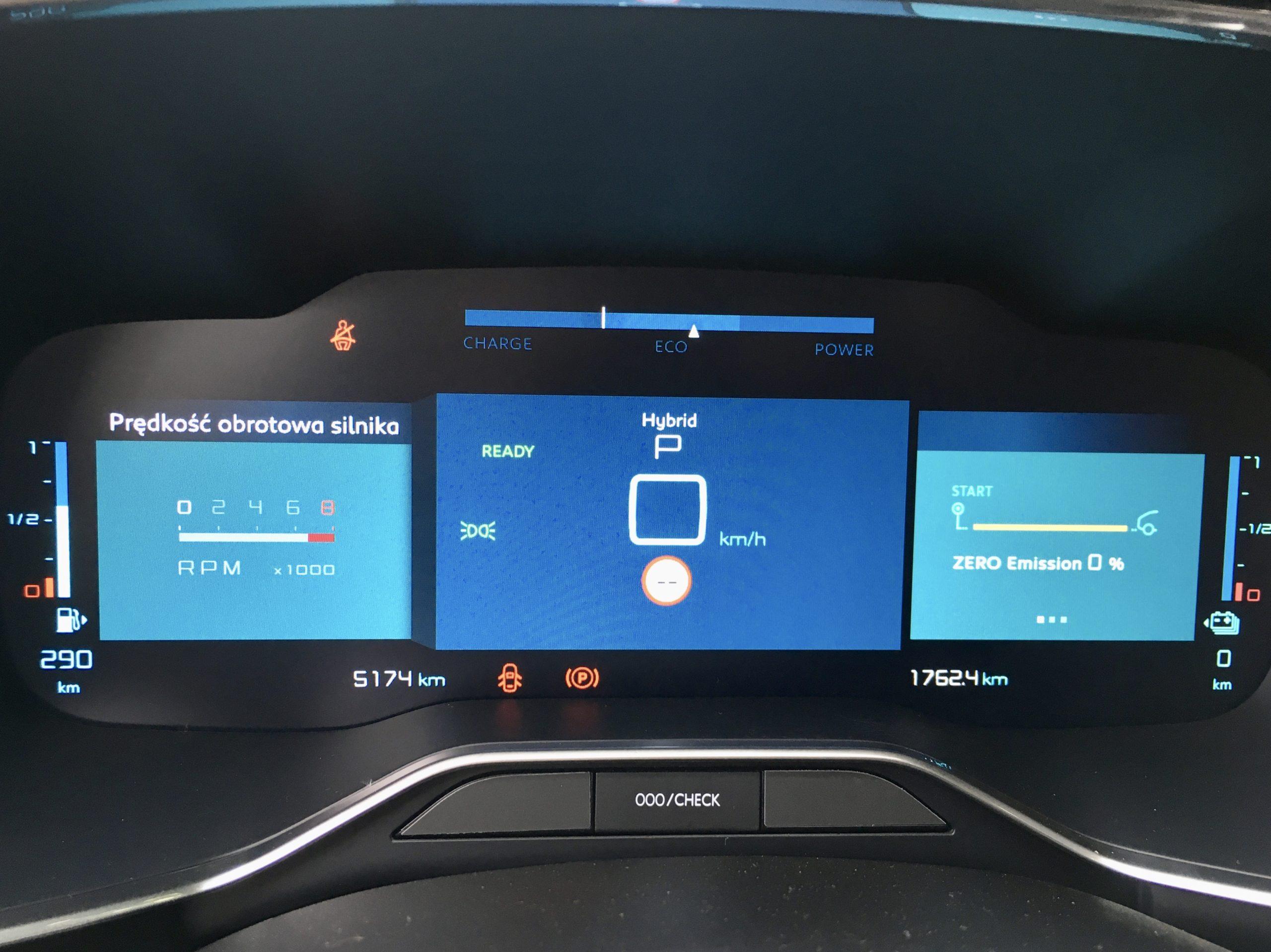 Kierowca C5 Aircross jest dobrze informowany o parametrach jazdy