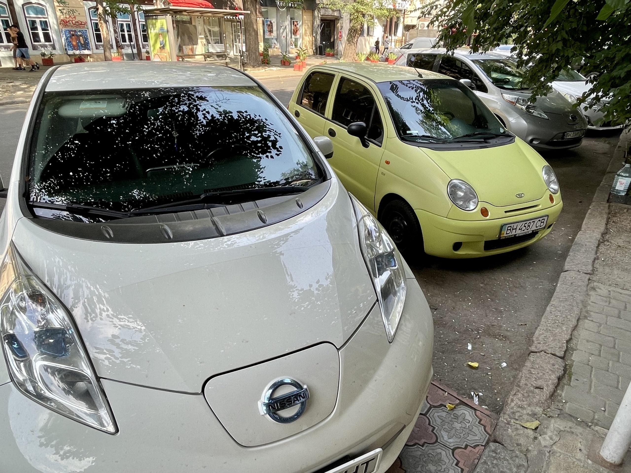 Leafy pierwszej generacji dobrze sprawdzają się w Odessie jako pojazdy Ubera